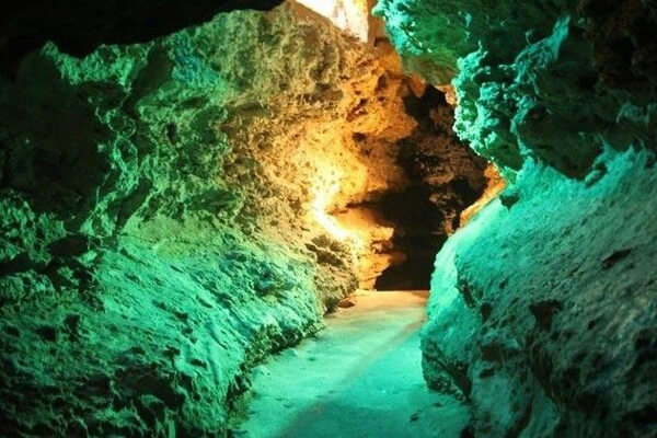 Fun in Fentress for Kids | Wonder World Cave | San Marcos